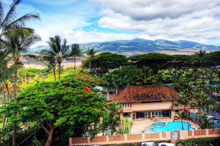 Pool and Cabana rec area