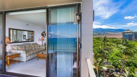 1 Bedroom Corner Oceanfront #701
