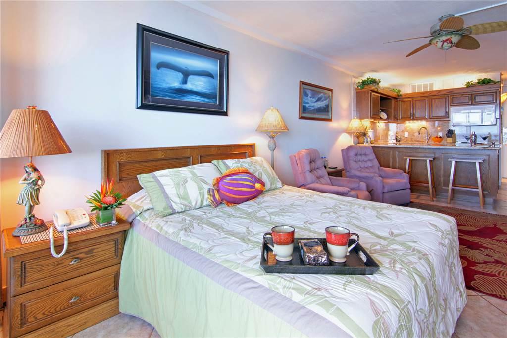 Sample Bed & Kitchen